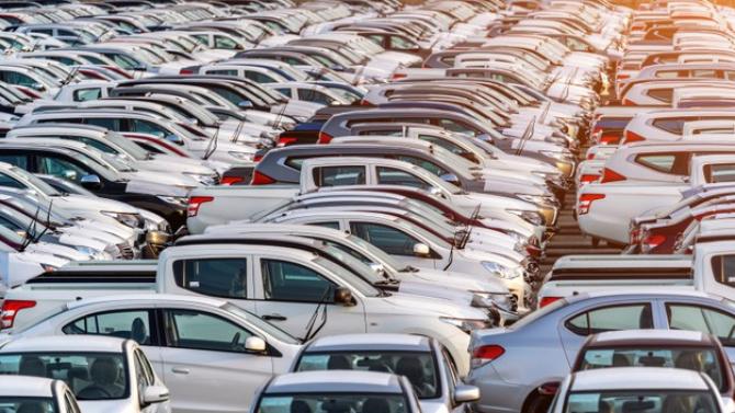 n clasamentul mărcilor de autoturisme noi înmatriculate de la începutul anului conduce Dacia, cu 3.830 de unităţi, urmată de Ford - cu 1.905 unităţi.