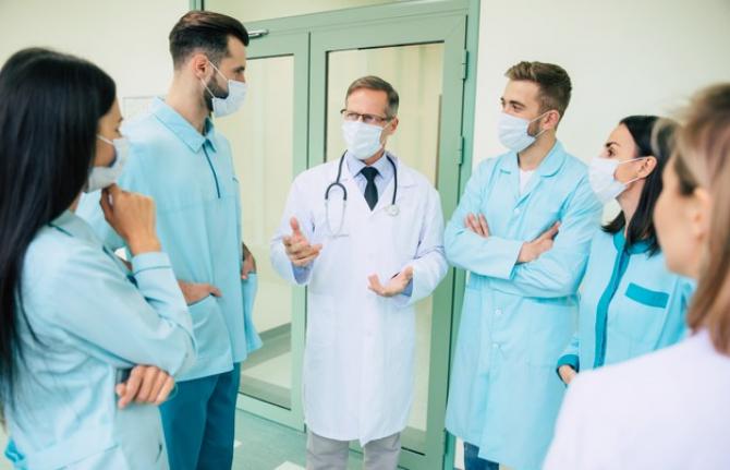 Sporurile medicilor. Sunt sporuri care pot fi scoase și incluse în salariul de bază