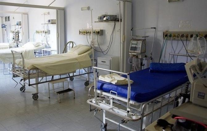 Numărul pancienților la ATI rămâne peste 1000
