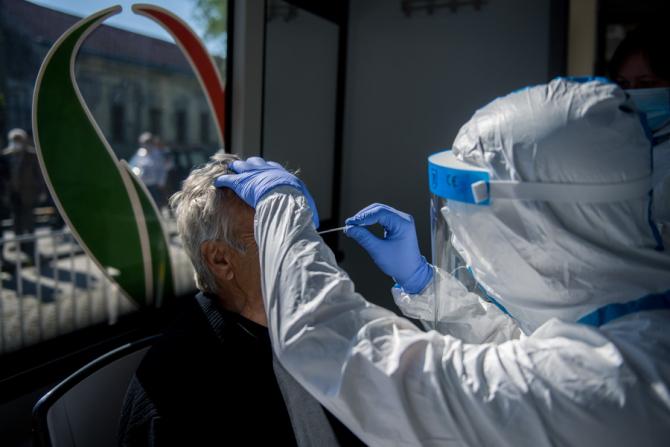 Tipul de test pe care îl facem pentru a vedea dacă avem anticorpi specifici SARS-CoV-2