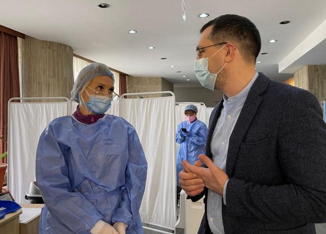 """Vlad Voiculescu a afirmat vineri că """"există diferenţe fundamentale"""" între numerele raportate şi cele reale în ceea ce priveşte decesele din spitalele COVID."""