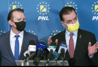 ''E o chestiune care ține de logica de guvernare. În momentul în care un ministru îl atacă pe premier trebuie să plece acasă'', a adăugat Orban.