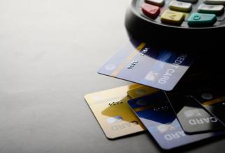 Românii preferă plata cu cardul