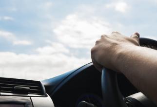 Cum afectează canicula traficul. Recomandările poliţiştilor pentru şoferi