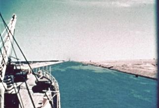 Criza Suezului marchează punctul în care statele de mărime medie au confirmarea că, de acum înainte, orice decizie strategică trebuie ''filtrată'' măcar de unul dintre cei doi poli de putere.