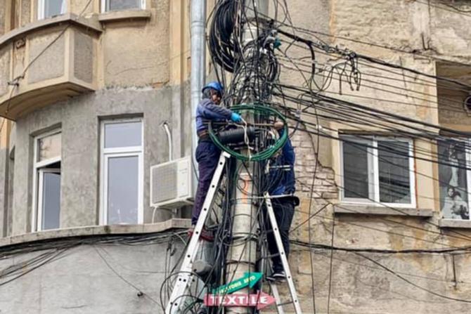 În Sectorul 1 a început demonstarea cablurilor de pe stâlpi