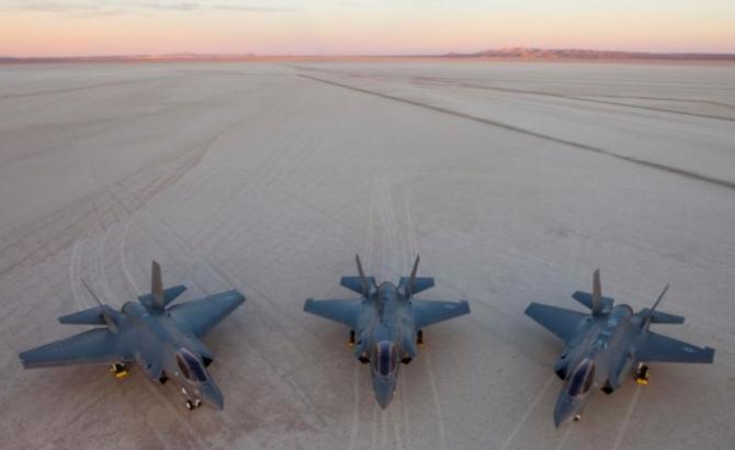 Contractul prevede furnizarea de echipamente realizate de grupurile industriale General Atomics, Lockheed Martin şi Raytheon Technologies, printre care 50 de avioane F-35 Lighting II, până la 18 sisteme aeriene MQ-9B