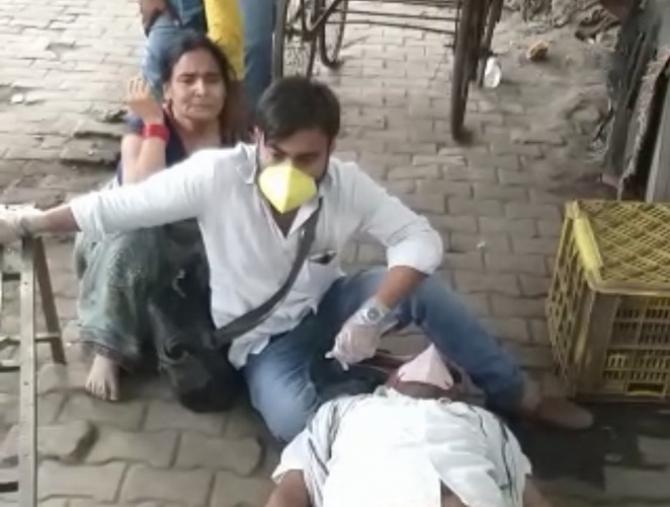Scene ca din timpul războilui au loc la toate spitalele din India