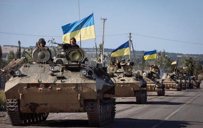 Legea convocării rezerviştilor pentru serviciul militar permite o întărire semnificativă a forţelor armate în contextul escaladării tensiunilor cu Rusia.
