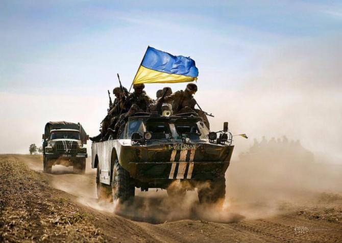 Rusia a masat peste 40.000 de soldaţi în apropierea frontierei estice a Ucrainei şi alţi 40.000 de soldaţi în Crimeea, a spus Mendel.