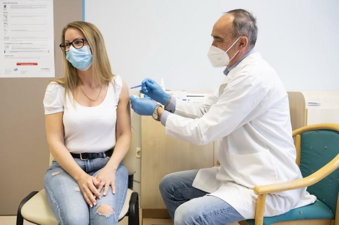 Vaccinarea în anumite cazuri ar putea fi obligatorie