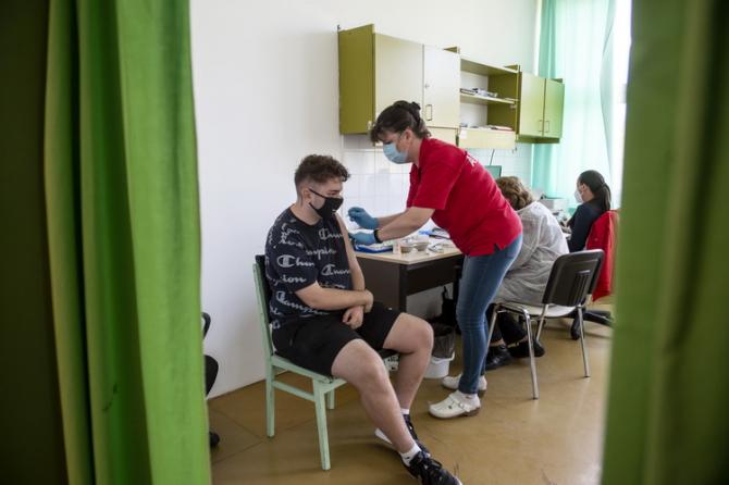 Încă se studiază mai multe aspecte legate de vaccinare