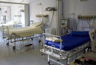 La secțiile de terapie intensivă medicii continuă însă lupta pentru viața pacienților