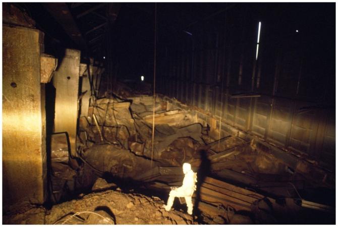 În interiorul sarcofagului se vede cât de gravă este de fapt situația