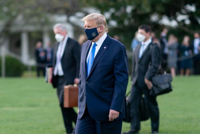 Donald Trump a fost redus la tăcere pe rețelele de socializare