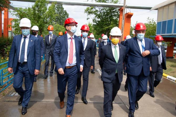 Le ceremonie au participat ministrul Energiei, Virgil Popescu, și președintele Camerei Deputaților, Ludovic Orban
