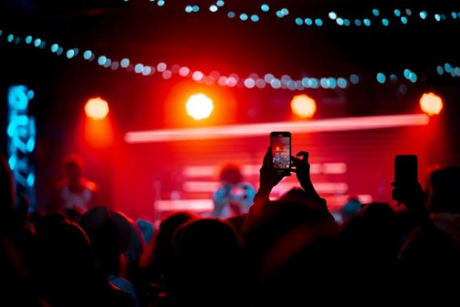 Concertele s-ar putea desfășura în anumite condiții