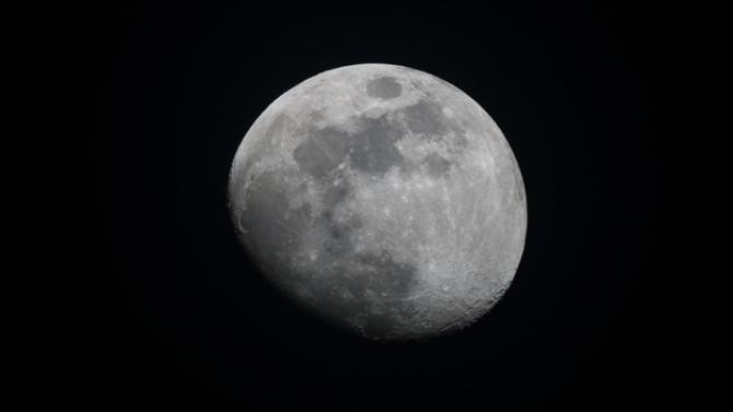 NASA trebuie să trimită oamenii pe Lună URGENT