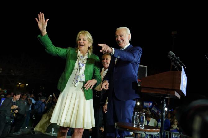 Câți BANI au câștigat soții Biden în anul 2020