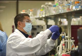 Pe piață ajunge un nou vaccin anti-COVID-19