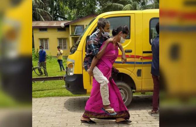 India se zbate într-un dezastru sanitar cumplit