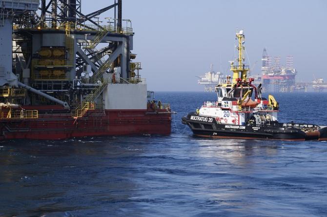 Analiști, dar și șefi de companii petroliere spun că prețul ar putea urca la 100 de dolari/baril