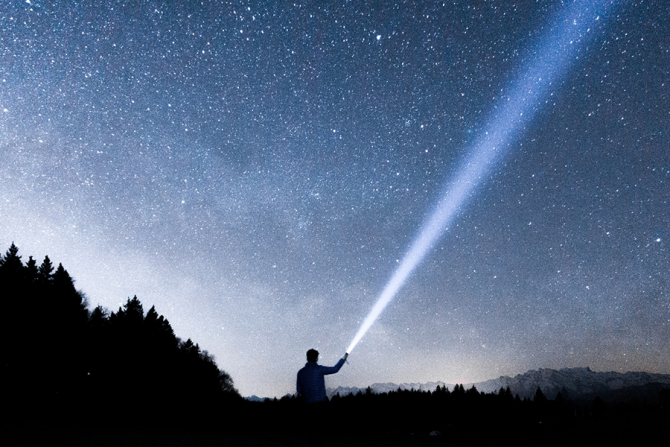 Eclipsa de Soare va fi vizibilă și din România