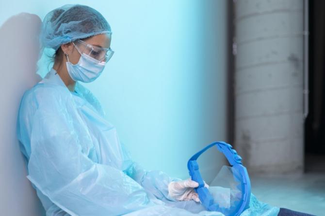 Se confruntă cu valul trei al pandemiei