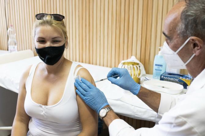 Britanicii vor să demareze campania de vaccinare suplimentară