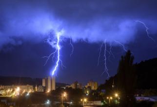 Meteorologii au emis un nou COD ROȘU de vreme rea