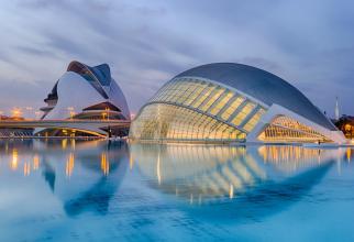 Un ''paşaport COVID'' pentru acces în interior este aplicat pentru prima dată în regiuni din Spania