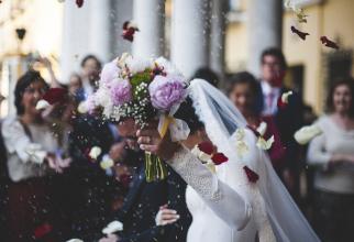 Nunţi cu certificat verde din acest weekend. Mirii sunt nevoiţi să-şi trieze invitaţii