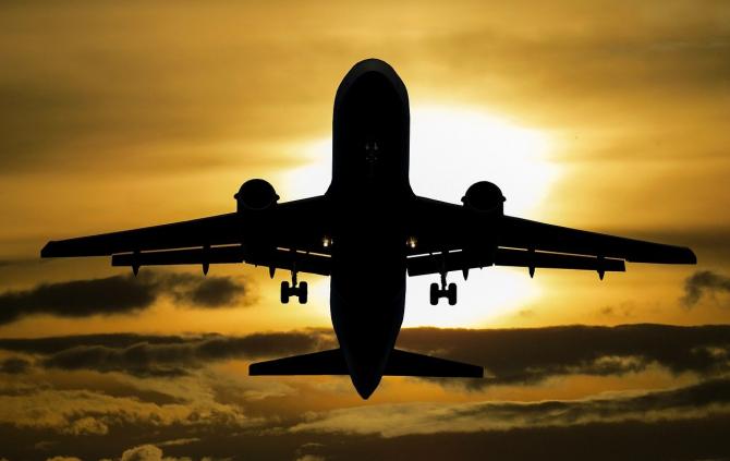 Cererea pentru vopseaua de avioane a EXPLODAT
