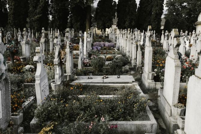 Ajutorul de înmormântare se acordă nu numai pensionarilor