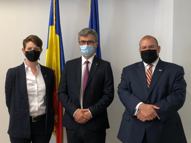 Kathryn Huff, ministrul Energiei Virgil Popescu și David Muniz