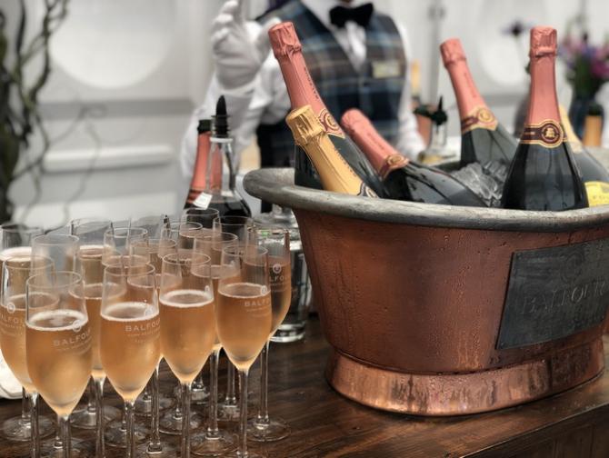 Șampania a devenit mărul discordiei