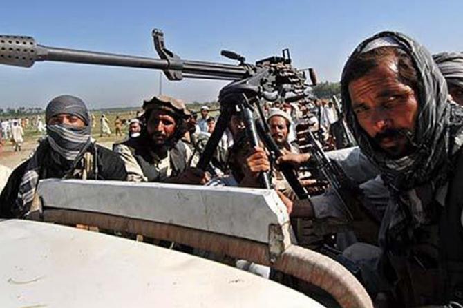 HAOS în Afganistan: Explozii puternice în Kabul urmate de focuri de armă