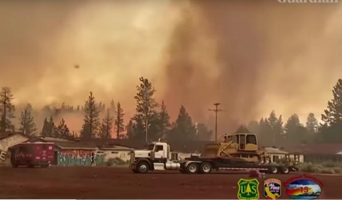 Tornada de Foc în California