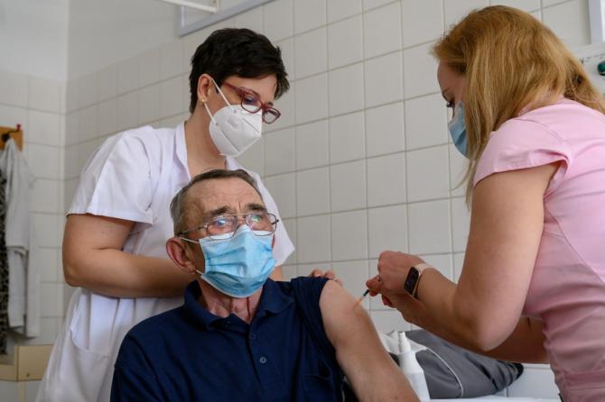 Grecia impune vaccinarea obligatorie