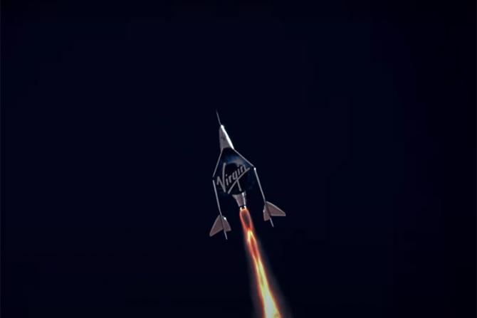 Primul zbor Virgin Galactic a fost un succes