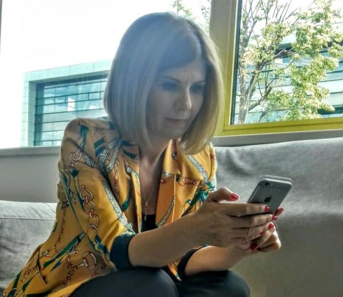 Elena Cristian, scurt și la obiect