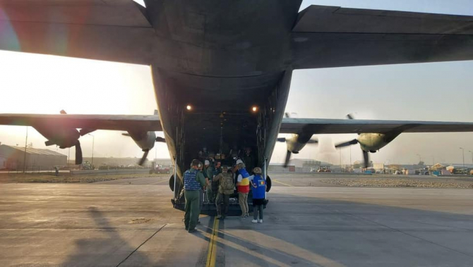 Și ultimii români aflați în Afganistan au fost evacuați