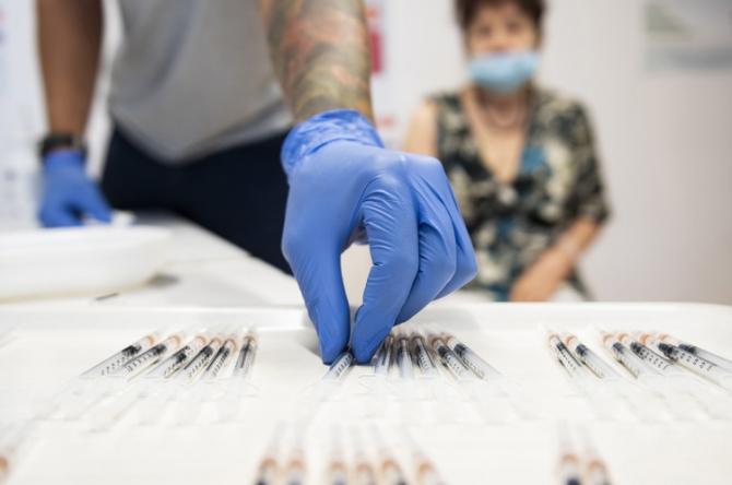 Cercetătorii din SIngapore sunt pe punctul de a rezolva problema tuturor coronavirusurilor