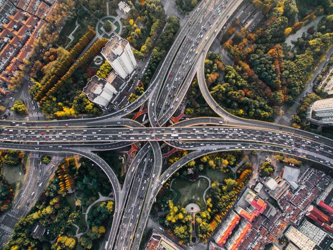 China reduce drastic viteza