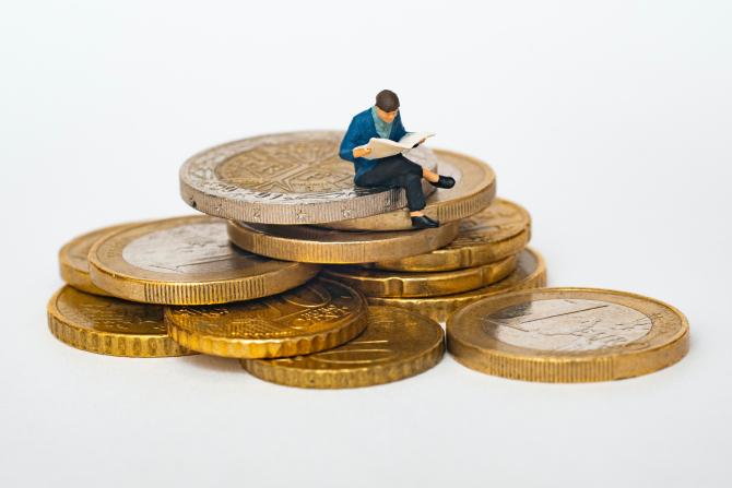 Există un exces de economisire bancară, a spus Cristian Popa