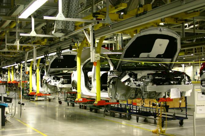 Muncitorii vor intra deocamdată în șomaj tehnic