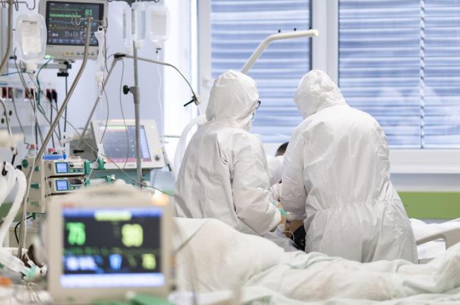 STUDIU: Ce boli pot dezvolta persoanele care au avut COVID