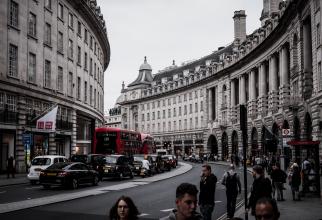 Ceea ce înseamnă dezghețarea salariilor în Regatul Unit