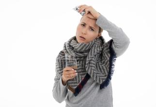 """Anticorpi """"defecți"""", depistați în creierul unor adolescenți care au avut COVID-19"""