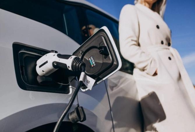 Ungaria a început producţia de masă a automobilelor electrice